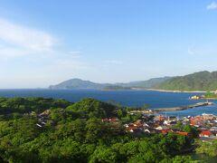 日も暮れ始めて来たのでホテルへチェックイン。 萩湾が見渡せる絶好ロケーションの「萩観光ホテル」に泊まりました。