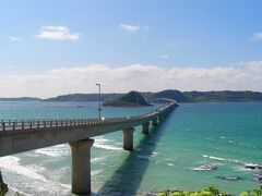 途中長門市で昼食を取った後は、角島大橋にやって来ました。 この長い一本道を車で走るのは気持ちいいです、海も綺麗ですね。 角島へ渡り、島内を軽く一周した後は下関へ向かいました。