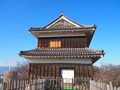 神社の横を進んだ先に西櫓。もともと城には7つの櫓があり、現在3つが残されている中、この西櫓のみ創建当時と同じ建物が残っているとの事。