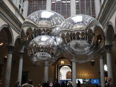 特に目的もなく通り掛かりに立ち寄ったストロッツィ宮Palazzo Strozzi