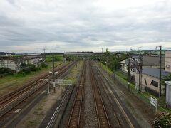 同じく跨線橋から仙台方向を見る。