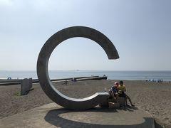 サザンビーチのシンボル、「茅ヶ崎サザンC」のモニュメント