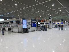 アクセス特急の時間調整で第2ターミナル出発フロア 中東あたりの便のお客さんがいました