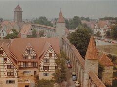 ローテンブルクの城壁を一周歩いた時の写真。高い塔の上から撮影。