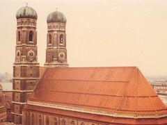 ミュンヘン市役所の屋上から フラウエン教会
