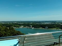 まだ時間があったので、先に屋上の展望台へ行きました。360度景色が見渡せます。