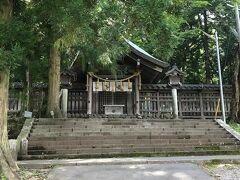 小淵沢を出て長野県に向かいます。旦那さんが諏訪大社4社参りをしたいそうなので 上社前宮から行きます。