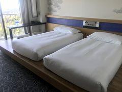 小田原のお宿のヒルトンに到着。  今回はほぼほぼ満室らしく、アサインされた部屋は予約時よりワンランクUGのスーペリアツイン。