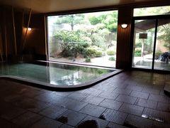 夕食までの時間は温泉に浸る。