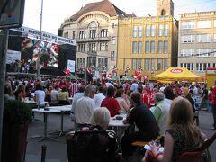 2006年の6月といえば、ドイツで開催されたサッカーワールドカップ。スイス戦の日のマルクト広場。