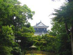 岡崎城もちょっと気になるけれど、自宅を出発した時間が結構遅かったこともあり、予定よりもだいぶ遅れ気味なので、先を急ぎます!
