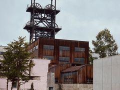 さあさあ、さらに走って赤平市。 道民でも意外に知らない、行ったことのない炭鉱の遺構。旧住友赤平炭鉱立杭櫓にやってきました。 40数年北海道に住んでいて、初めてです。