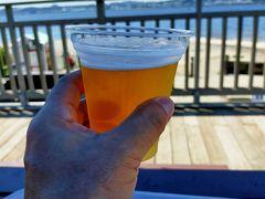 帰りの船を待つ間に管理棟にある島で唯一のフードステーション オーシャンズキッチンで一息 プレモルと横須賀ビールがありましたが、こんな一口サイズでプレモルは600円とバカ高。