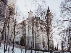 ドイツに現存するお城の中で最も美しいとの呼び声が高いノイシュヴァンシュタイン城。