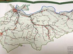 バーゼル駅からバーゼルランド南方のラオフェンまで(赤い印)Sバーン(鈍行)で約1時間。  この地図で見ると、バーゼルシュタッドとバーゼルランドも広いのねと感じますが(緑色のエリアはバーゼルだけでなく他の州も少しだけ含まれてます)、このエリアの国鉄やトラムなど乗り放題になるu-aboというものがあり、学生は1ヶ月41フラン(4000円くらい)でした。週末はバーゼルの外に出てしまうことが多かったので、毎月は買ってませんでしたが、とてもお得なチケットでした。地域での消費を促すのには良いのかもしれません。