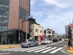 茶色の建物がモノレールの湘南江ノ島駅です ここにはポケスポとジムがありました。
