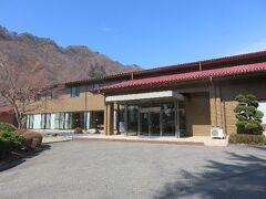 本日の旅館はここ。(タムラ製作所の保養所)  「誓湖荘」