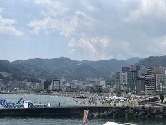 この旅行記はこちらの旅行記の続きです→ https://4travel.jp/travelogue/11640607  2020年8月14日  小田原をお昼ごろに出発していざ伊豆へ。  静岡の熱海に入ると急に渋滞発生。  どうやら原因は熱海サンビーチ。 神奈川も千葉も今年は海水浴場をCloseしており、OPenしているのは静岡のみってのもあるのか、ビーチめっちゃ密。