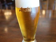チェックイン前にちょっと遅めの昼飯  ビールは水分補給にはならないとわかっていながらレストラン入る度呑んでました