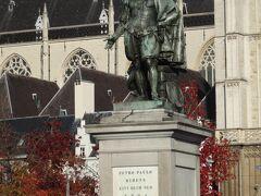ルーベンスの像。  ルーベンスの家から少し歩いたところにありました。
