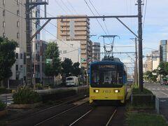 南海鉄道・堺駅前のホテルを出発。 少し歩くと、阪堺電気軌道の大小路停留所がありました。 阪堺電気軌道は大阪と堺を結ぶ路面電車です。 この電車に乗って大阪の天王寺へ