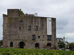 <ブレムゼルブルク>  立派な石造りの建物。 ワイン博物館でした。  世界遺産に登録されている最初の石造りの城の一つだったようです。
