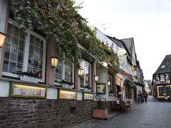 <オーバー通り>  もう少し先まで歩きました。 お洒落なレストランが多くて宿泊してじっくり行きたいな。