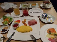 1泊目はANAクラウンプラザ金沢です。夫婦そろってSFC会員なのでANA/IHGでは無料朝食サービスが付くのがメリットです。家内は洋食です。