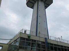 バス時間が迫ってきましたので東尋坊タワー