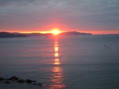 鳴門海峡に沈む夕日、絶景です。