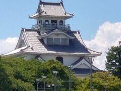 長浜城をチラッと見て帰ります。 長浜城は歴史博物館になってます。