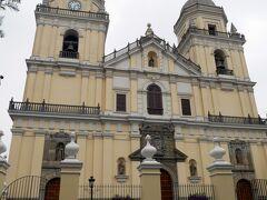 博物館を出て地図を見る。すぐ近くに教会があるっぽいので外見だけでも、と立ち寄ったのがこちら。 ◆サン・ペドロ教会 中には入らなかったです。外から見るだけ!
