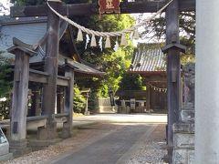 「金鑚神社」 かなさなじんじゃ。 7:25通過。