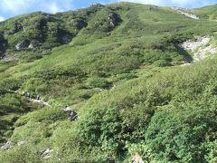 千畳敷カールを稜線に登ります