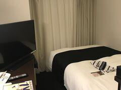 今日の宿泊は肥後橋のアパホテル。1泊5000円。最近のアパは安いですねえ。