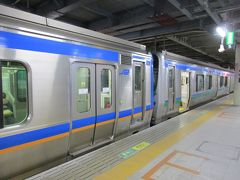 21時半過ぎ、無事仙台駅に到着。 乗車した列車は、仙台空港鉄道のSAT721系とJR東日本の721系を併結した4両編成でした。