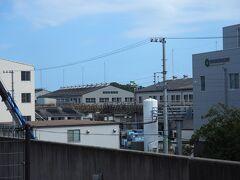 (JR)浜松 ⇒ 豊橋 ⇒ 蒲郡  蒲郡駅のホーム端っこから、蒲郡クラシックホテルが見えた!! わかる???