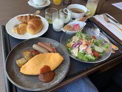 3日目、最終日。  ホテルの朝食はブッフェでなく、和洋朝食セットか洋朝食セットをオーダーするシステムに変更されていました。  衛生管理大事ですもんね…。