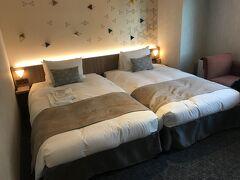 和菓子が要冷蔵だったので、散策後はいったんホテルに戻りまーす。今日は東急ステイにお泊まり。オープンしたばかりなので部屋はきれい!