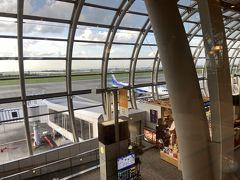 仙台空港着。レンタカー屋は空港の裏ですがバンでお迎えが来ます。