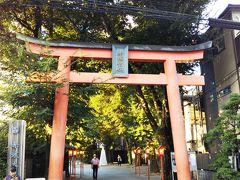 出口を出ると、すぐに赤城神社☆  ちなみに故 赤木春恵さんを祀っているわけではありません。笑