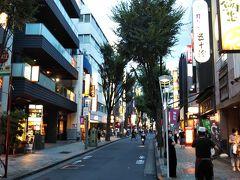 さて、引き続き、神楽坂歩きです☆  神楽坂から飯田橋方面に向かう方が下り坂が多いので、歩くのが楽かと思います。 逆だと最初から上り坂に差し掛かるので、大変かもしれません。