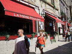 ふわふわオムレツで有名なLa Mère Poulardへ。