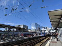 2時間弱でレンヌ駅に到着。