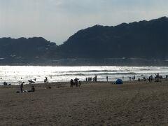 由比ヶ浜 猛暑でした。