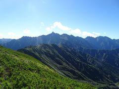 樅沢岳に登頂!日本百高山の87座目。 これから歩く西鎌尾根と槍ヶ岳が見えました♪