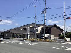 向かいは柿の葉寿司のゐざさ中谷本舗田原本店