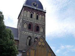 リガ大聖堂。  リガ大聖堂は、バルト三国で最大の規模を誇る大聖堂で、通称「ドム教会」として知られています。リガ大聖堂は、1211年ローマ教皇の命を受けたアルベルト司教によって建てられた聖堂で、この地の布教活動の拠点となった場所でした。約5世紀に渡って増改築が繰り返されたため、さまざまな建築様式が融合した大聖堂となりました・・by何だったのかしら・・  この時はお邪魔できませんでした。