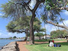 こちらの公園?で海を見ながら休憩。