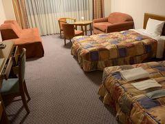 宿泊ダイワロイヤルホテル(今はロイヤルホテル八ヶ岳)。 ホテルに着いたのは結構遅い時間になりました。 ほぼお風呂に入って寝るだけになりました。